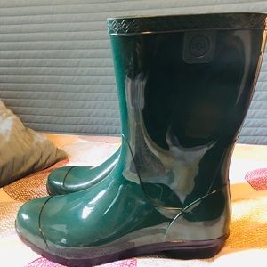 Brand New waterproof Uggs